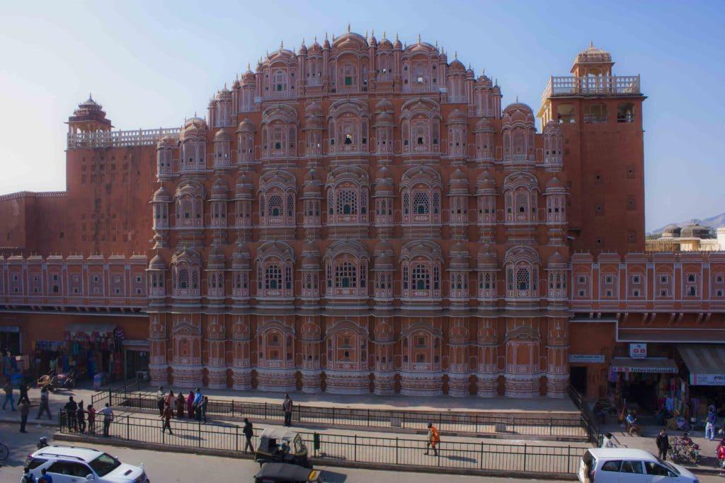 J'ai cofondé l'agence réceptive Voyage in India en 2007 avec mon frère Kedar, à la suite d'un voyage en France organisé par l'Université du Rajasthan et l'association Amitiés franco-indiennes de Franche-Comté (AFIFC). Notre activité de réceptif est principalement rattachée au tour-opérateur français Voyage In, fondé ultérieurement par Kedar et son associé Quentin Houal. Notre bureau principal se trouve à Jaipur, dans l'état du Rajasthan, au nord de l'Inde. Nous organisons des circuits culturels sur mesure dans tout le pays, pour les individuels et les groupes. Notre clientèle est principalement francophone. Nous sommes membre actif de la IATO (Indian Association of Tour Operators). Nous avons démarré l'agence à trois mais nous avons depuis recruté 5 nouvelles personnes et 6 chauffeurs.