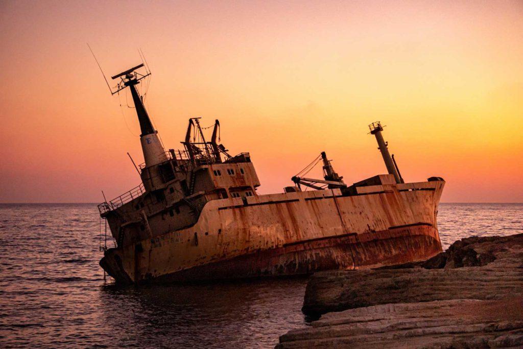 bateau golden hour