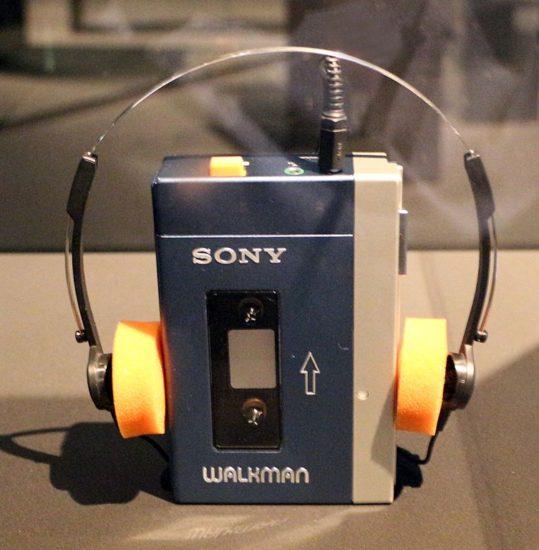 Sony, walkman, 1979 sur Wikipédia